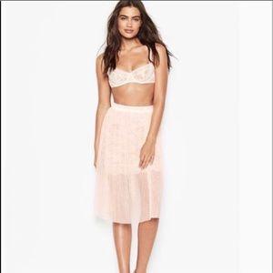 Victoria Secret lace slip skirt size L